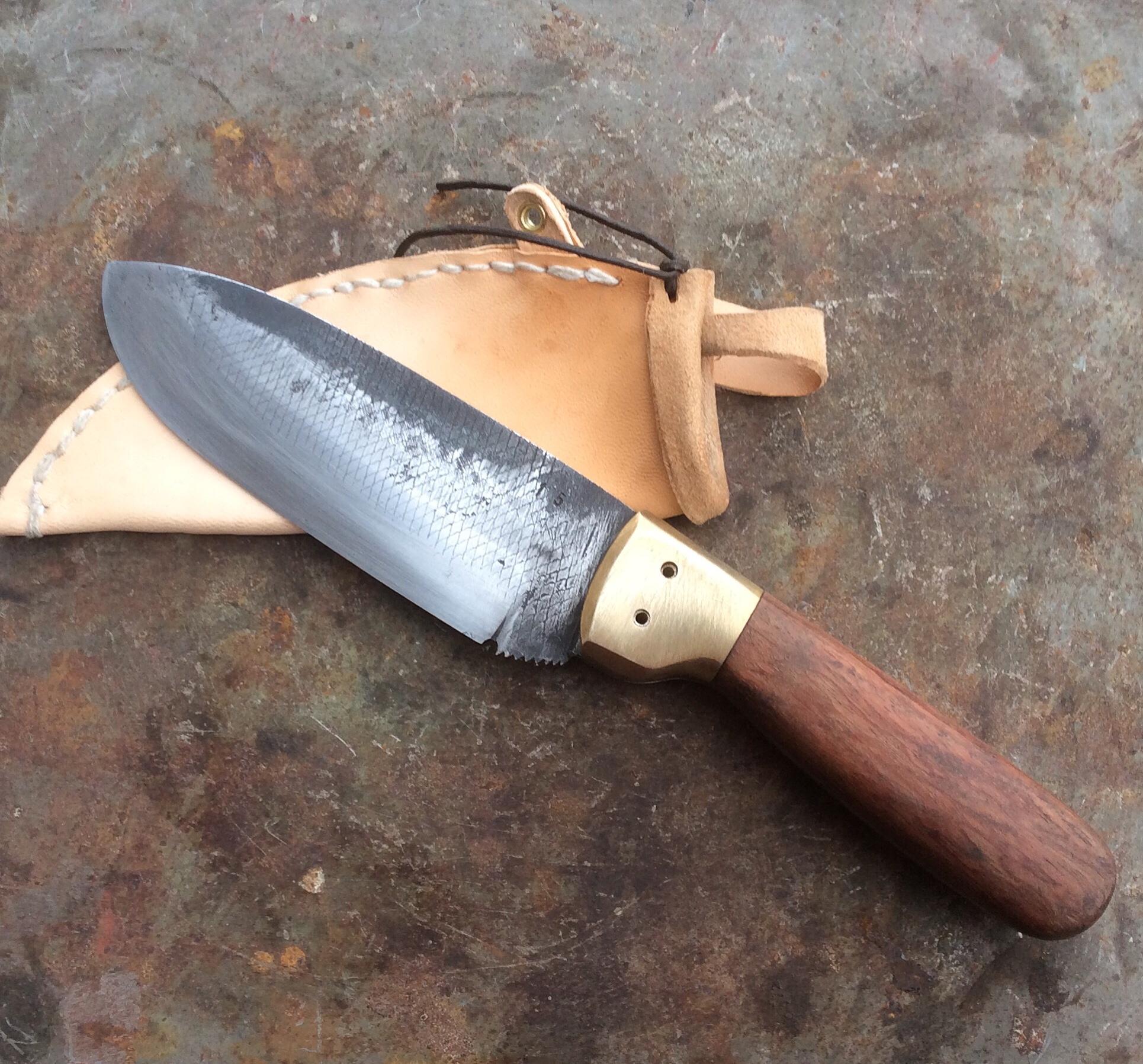 Handgesmeed mes van een oude rasp.