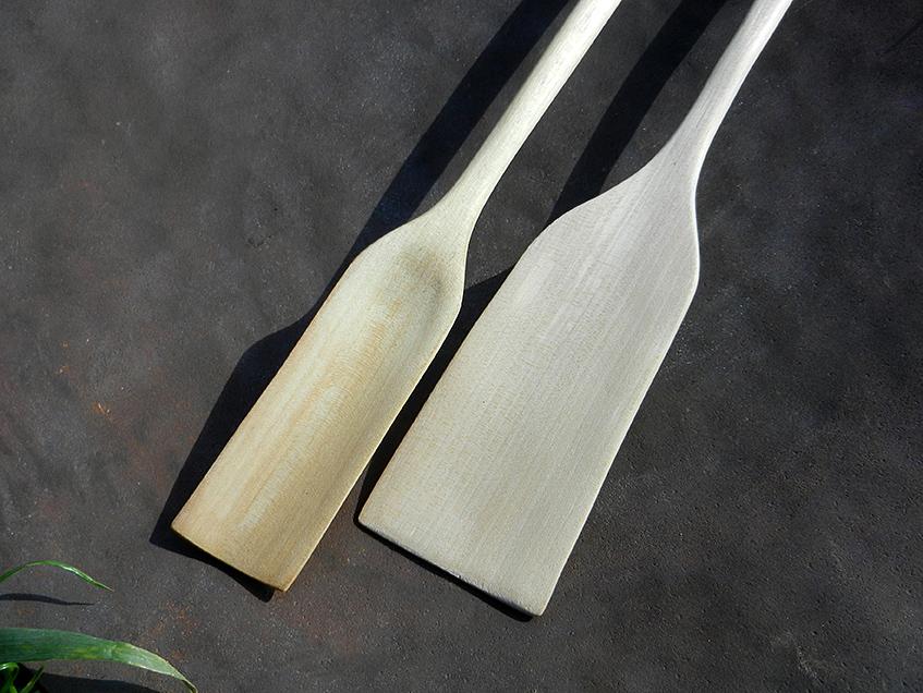 twee houten lepels